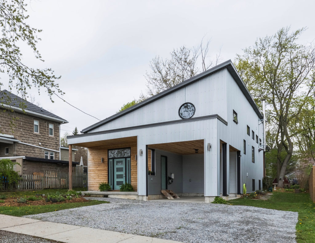 Just Listed! Striking Modern Bungaloft with In-Law Suite $899,900